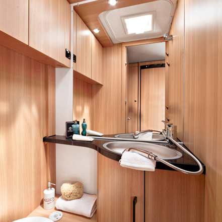 lmc style 2016 caravan nieuw badkamer